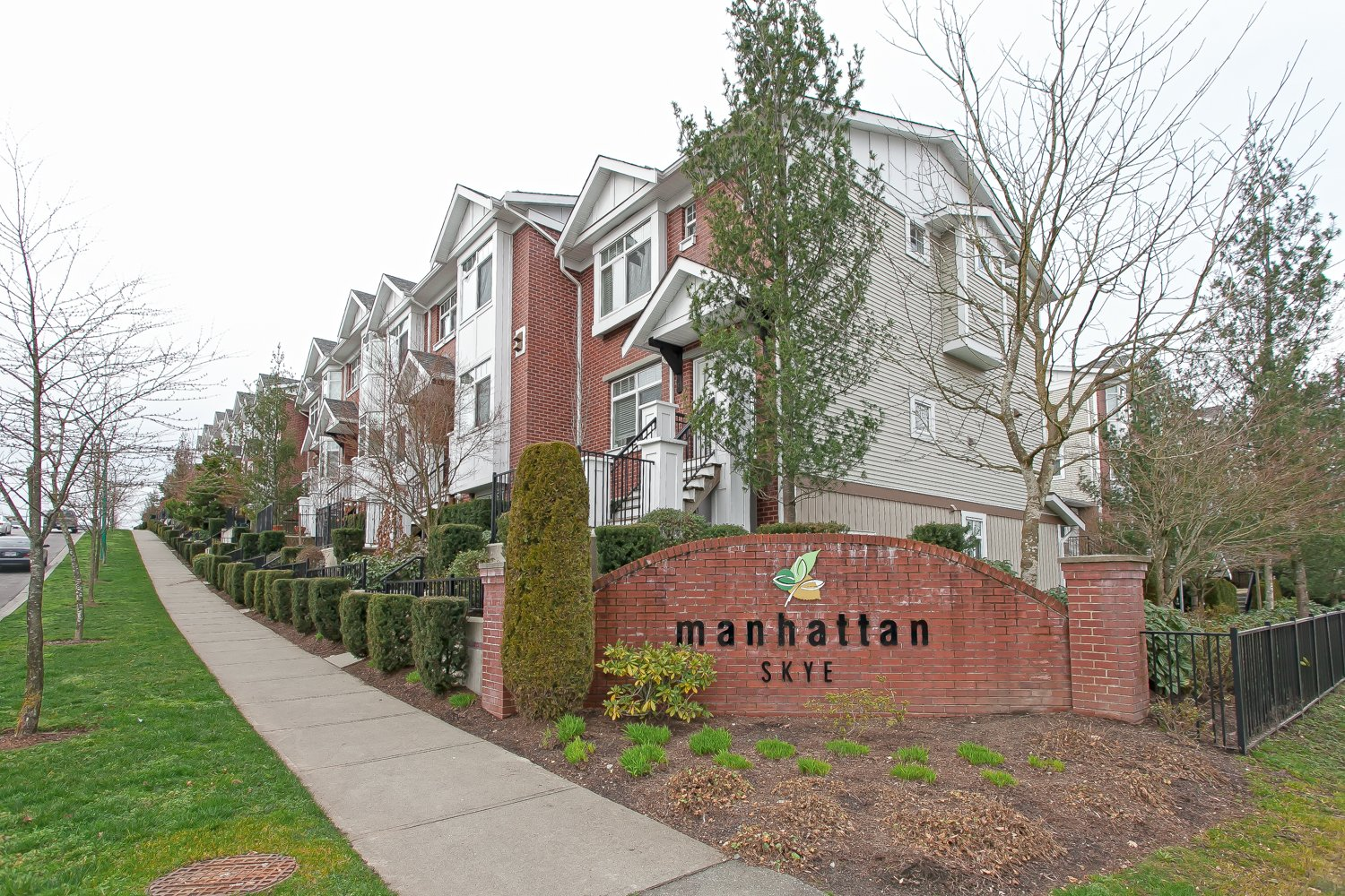 Pristine Townhouse backing onto Greenspace!