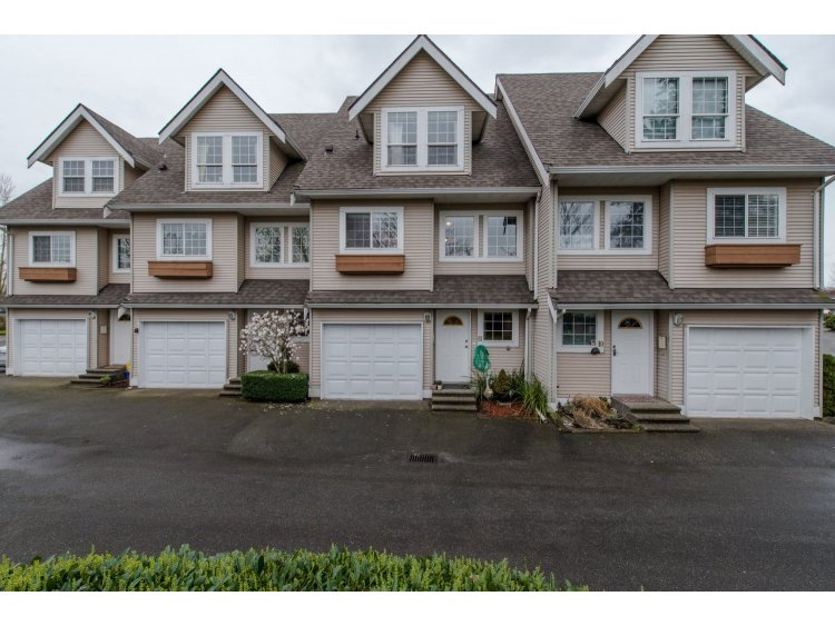 Spacious Townhouse backing onto Greenspace!