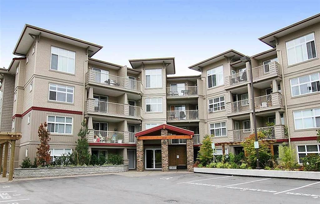 Bright Renovated Condo in Abbotsford