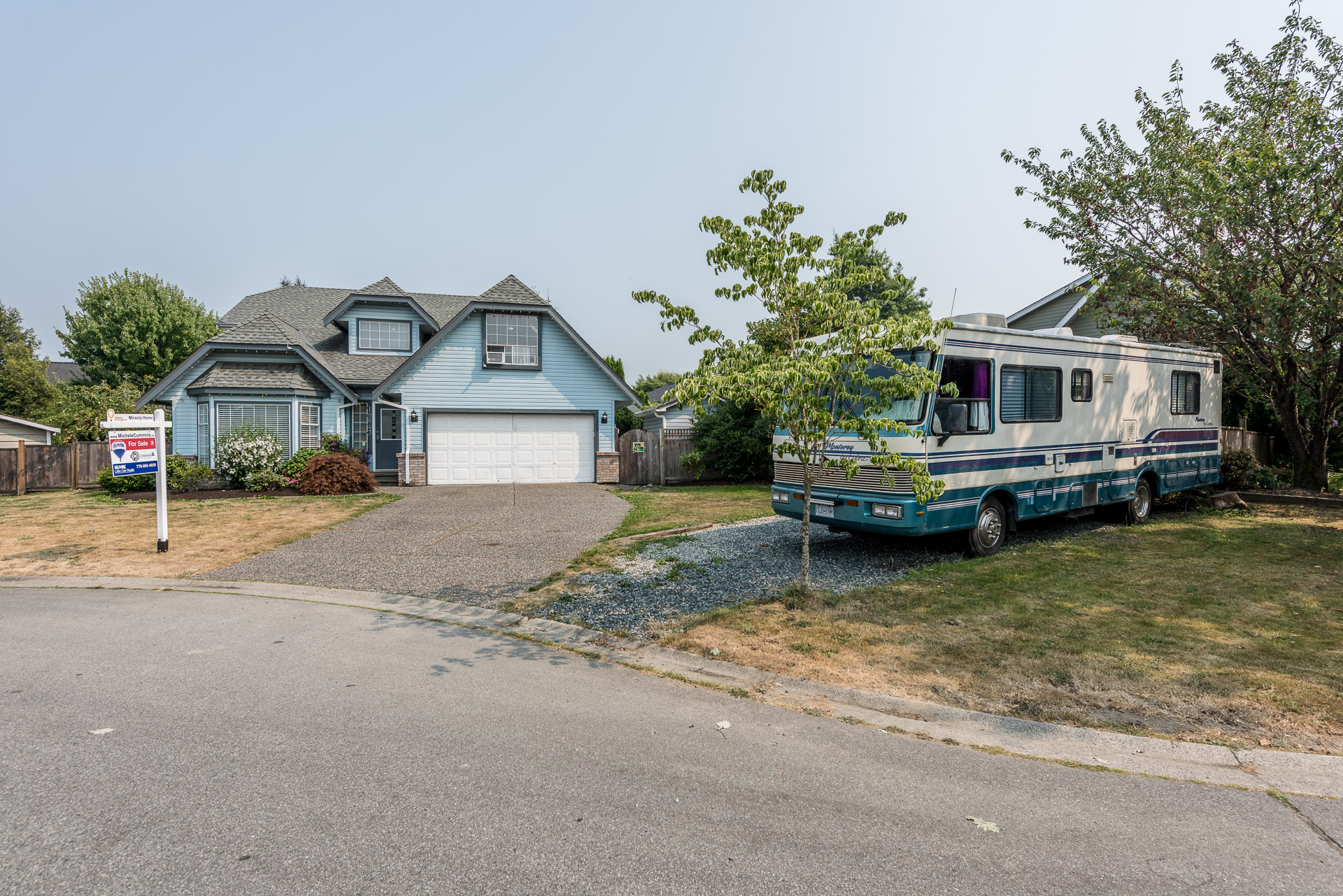 Perfect Family Home in Cul-De-Sac with room for the RV!