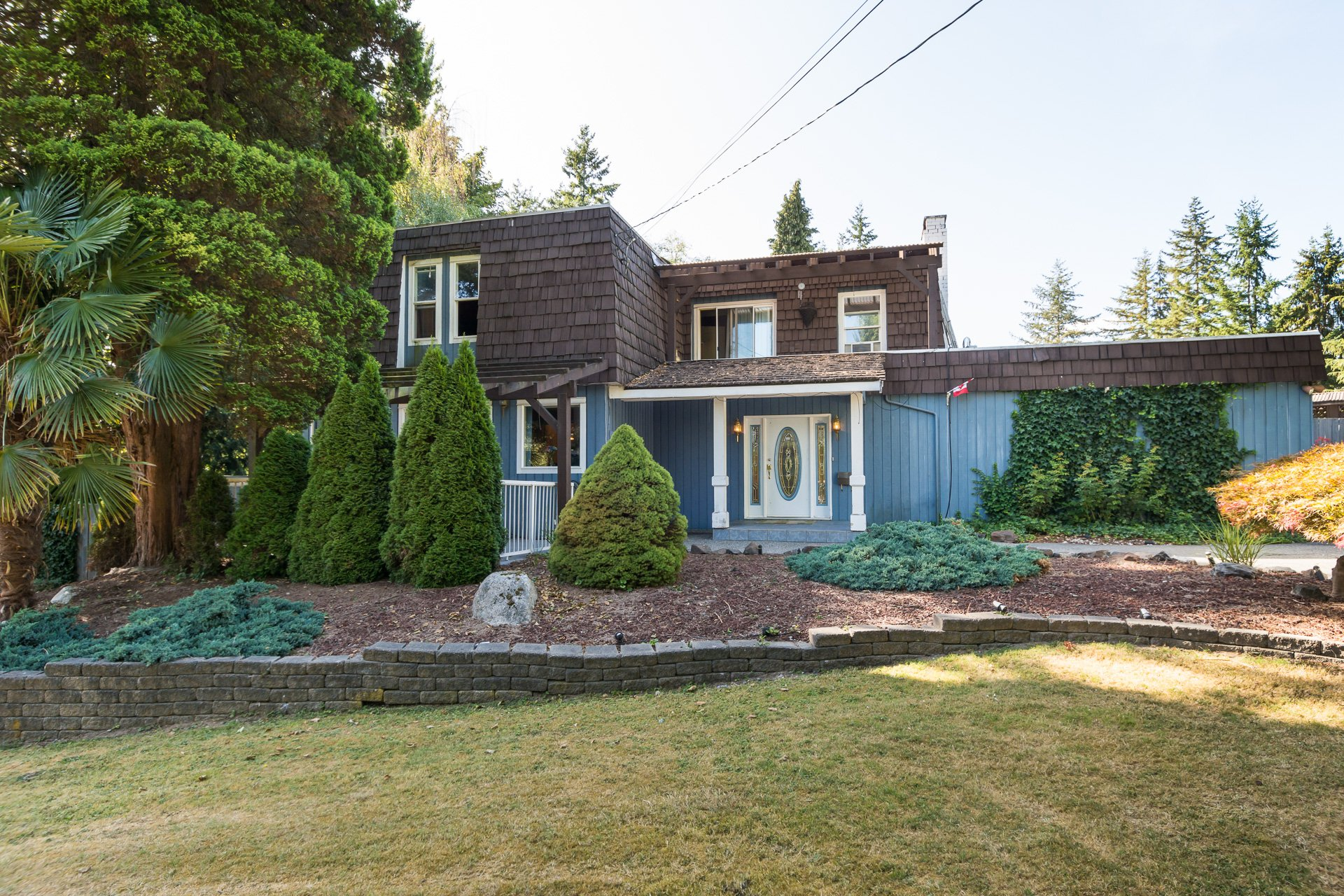 West Panorama Ridge home on 1/2 Acre is now available