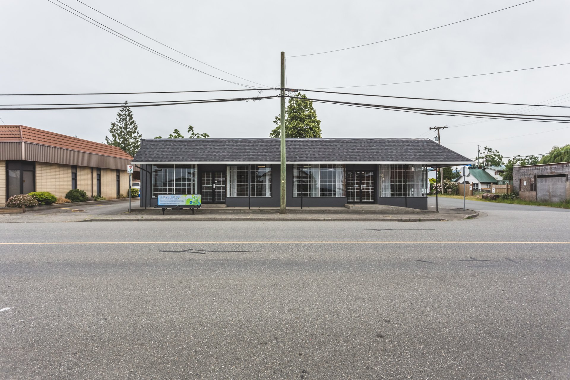 XL Commercial building in the heart of Matsqui!