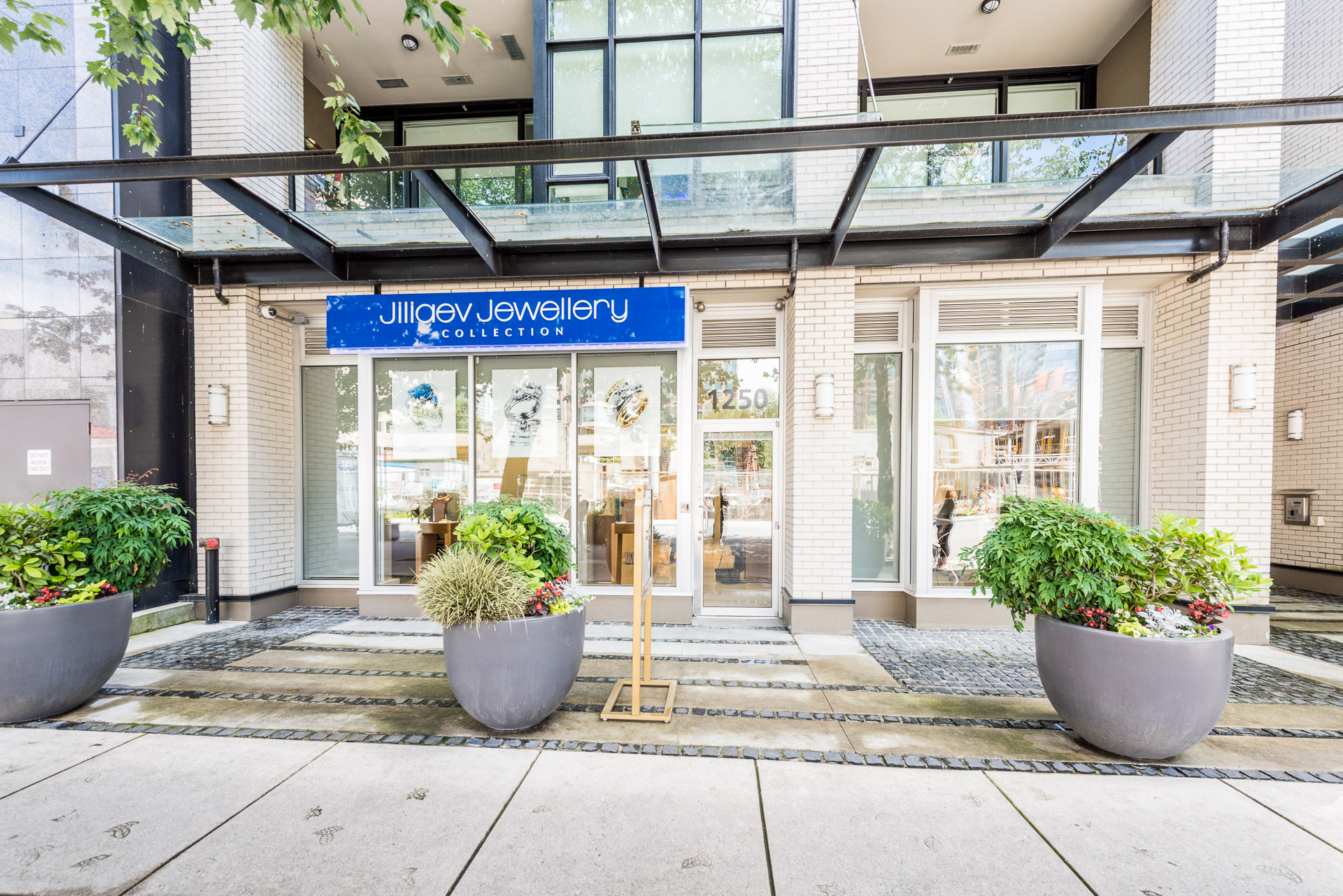 Luxury Commercial Space in Downtown Vancouver!