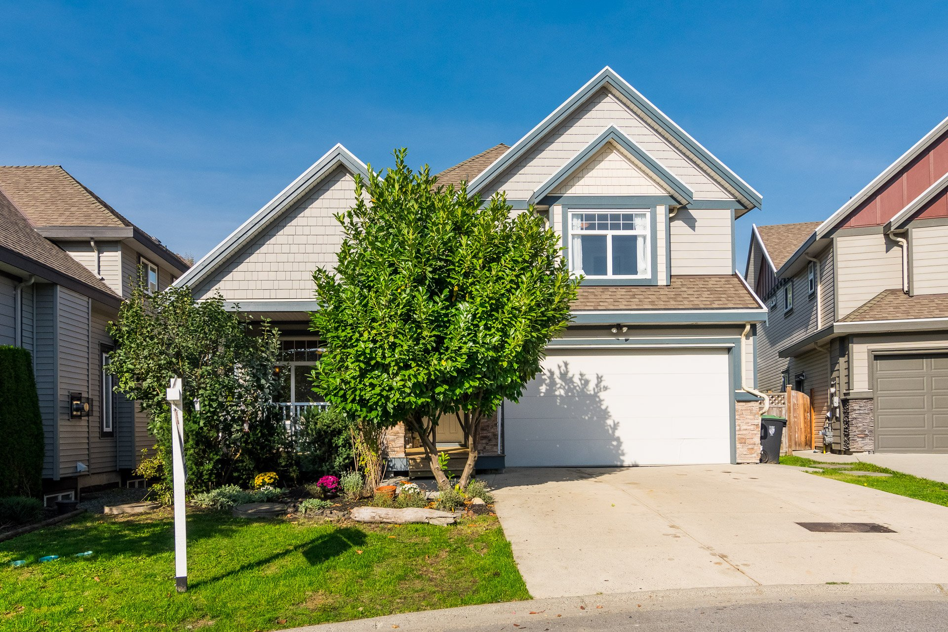 X-Large family home in Langley!